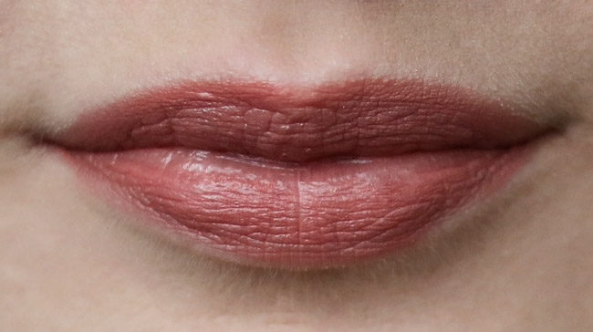 clinique-curviest-caramel-lips
